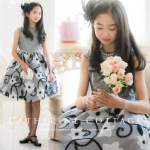 大きな花柄のオーガンジードレス
