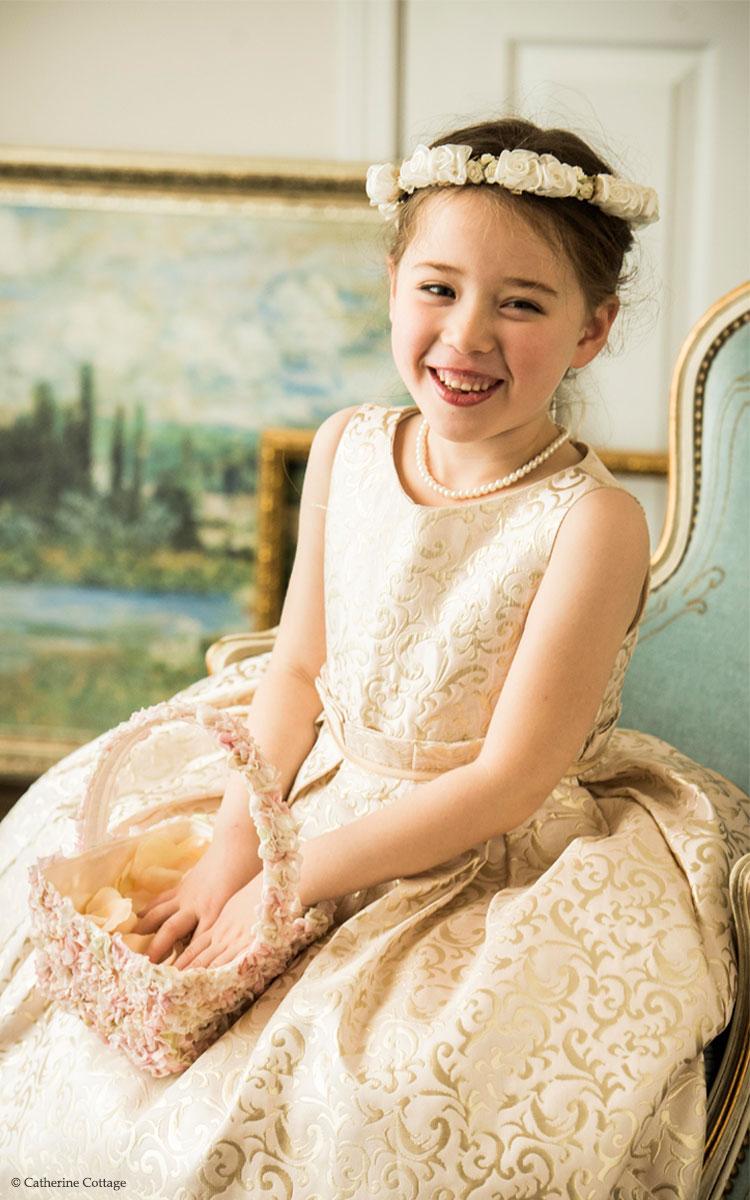 bff67505caf9e 華やかさを狙うなら!やっぱりゴールドドレス!|ゴールド子供ドレス10選 ...