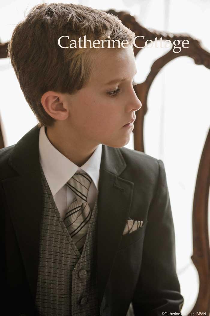 2c99f68a917c3 キャサリンコテージでは、レンタルスーツと大差ないお値段での購入が可能な子供スーツセットから、大切な日だからこだわりたい!といった方には本格英国紳士服仕立ての  ...